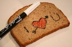 I HEART U.......Wilton food writer on toast! Great for special messages for the whole family!