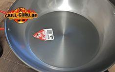 Ugly Drum Smoker - selber bauen - grill-guru.de Uds Smoker, Ugly Drum Smoker, Dutch Oven, Wok, Being Ugly, Videos, Food And Drink, Charcoal, Basket