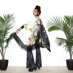 Frange Kimono, Kimono fleuri, Boho Kimono, Robe fleuri, Robe noir et blanc, Norwegian Wood, Made in Canada, Robe de demoiselle d'honneur, Robe de mariée
