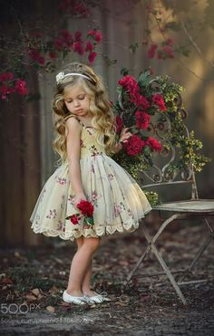 27 ideas for vintage photoshoot for kids dresses Classic Photography, Girl Photography, Children Photography, Photography Flowers, Fashion Kids, Toddler Fashion, Little Girl Dresses, Girls Dresses, Flower Girl Dresses