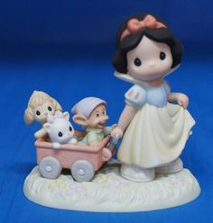Snow White Heigh Ho Its Off To Play We Go Figurine 2005 Disney Precious Moments #PreciousMoments