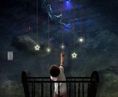 Reaching For The Stars – Illustrations by FictionChick  Moral Estelar  Predestinada à tua órbita,  Que te importa, estrela, a noite?  Rola, bem-aventurada, através do tempo!  Que a sua miséria te permaneça estranha.  A tua luz está destinada ao mais distante dos mundos:  A piedade deve ser-te um pecado.  Admite apenas uma lei: sê pura!   (Friedrich Wilhelm Nietzsche, in 'A Gaia Ciência')
