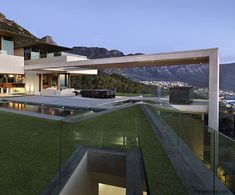 Spectacular SAOTA Cape Town Home Wins 2016 Architizer A+Award – if it's hip, it's here Modern Architecture House, Facade Architecture, Cool House Designs, Modern House Design, Pole House, American Houses, Villa Design, Maine House, Exterior Design