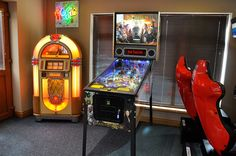 Game of Thrones Pinball Machine - in Showroom