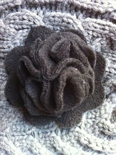 Fleece flower pin--really cute and pretty easy.