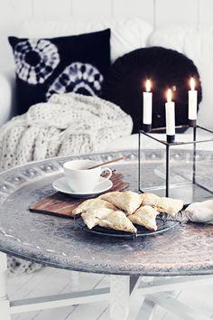 Huge ornate tray + legs= very cool coffee table!  { k j e r s t i s l y k k e }