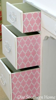 Vintage desk painted with Annie Sloan Chalk Paint in Pure White and decoupaged drawers for an unexpected surprise from Our Southern Home Painting Ikea Furniture, Furniture Fix, Furniture Refinishing, Painted Furniture, Chalk Paint Desk, Annie Sloan Chalk Paint, Pink Home Offices, White Bedroom Set, Desk Redo