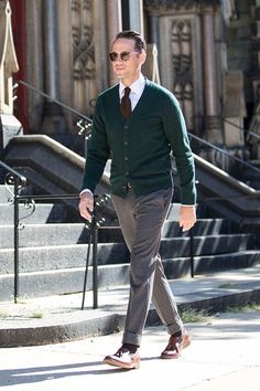 """Business Casual Men - A Cardigan Is Your """"Substitute"""" Business Casual Blazer Business Casual Shoes, Mens Fashion Sweaters, Mens Fashion Suits, Casual Blazer, Casual Jumpsuit, Smart Casual Menswear, Men Casual, Casual Winter, Outfits"""