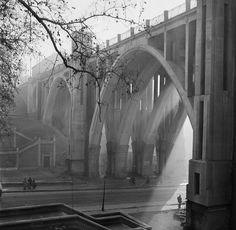 """Viaducto de Segovia """"el viaducto"""", Madrid. Francesc Catalá-Roca"""