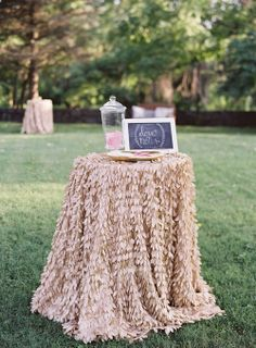 love notes for the bride and groom on the wedding day | la tavola linen | events in the city design