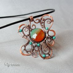 Hammered copper wire pendant with Brazilian agate bead by Artual