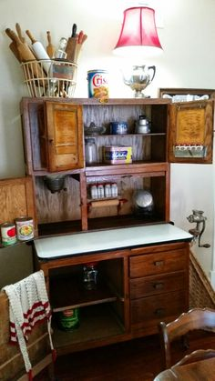 Olde Green Cupboard is a family design team the loves primitives, quilts, chic home decor, and fun retreats. Antique Hoosier Cabinet, Antique Cabinets, Primitive Furniture, Country Furniture, Primitive Decor, Country Cupboard, Country Kitchen, Kitchen Queen, Bedroom Cupboard Designs