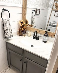 This is a gorgeous farmhouse bathroom! 👀 TAG a friend who will love this style! Guest Bathrooms, Upstairs Bathrooms, Bathroom Kids, Bathroom Renos, Small Bathroom, Basement Bathroom, Washroom, Farmhouse Remodel, Home Upgrades