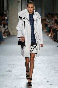 See the Proenza Schouler Spring 2015 collection on Vogue.com.