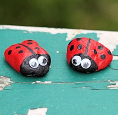 Rock Ladybug Craft for the party or for the kids to decorate before and place on tables