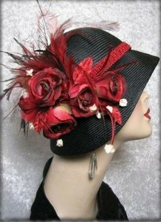 Hat - Black Straw Cloche hat Flapper Hat - Dorothy Parker from BoringSidney on Etsy. Saved to Scarves Hats and Gloves. Flapper Hat, 1920s Flapper, 1920s Hats, Flapper Style, Look Gatsby, Viktorianischer Steampunk, Rose Hat, Look Retro, Fancy Hats