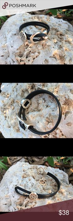 """💥New💥 Black Leather on circle hook closure 7-7.5 Hook closure with round circle slide with black etched design. Easy on and off. 7-7.5"""" Jewelry Bracelets"""