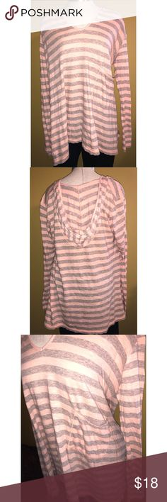 Chelsea and Violet top Salmon and grey striped flowy top by Chelsea and Violet from Dillard's. Size medium but runs slightly big. Comment with any questions 💕 bundle & save! Chelsea & Violet Tops Tunics