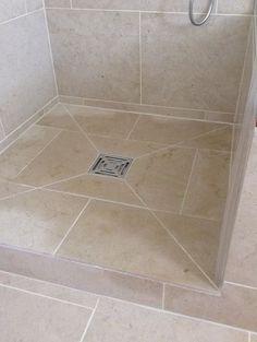 Bathroom Tub Shower, Shower Floor Tile, Bathroom Flooring, Small Bathroom, Bathrooms, Modern Bathroom Design, Bathroom Interior Design, Bad Inspiration, Bathroom Styling