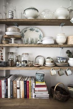 Wooden Home Decor Mademoiselle Poirot rustic kitchen storage ideas !Wooden Home Decor Mademoiselle Poirot rustic kitchen storage ideas ! Boho Kitchen, Living Room Kitchen, Rustic Kitchen, Kitchen Decor, Kitchen Ideas, Eclectic Kitchen, Vintage Kitchen, Country Kitchen, Kitchen Trends