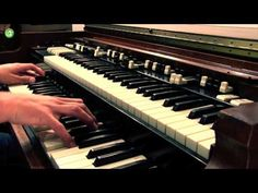 Playing different grooves on a hammond organ  ▶ mediagroove.de - Raphael Wressnig playing HAMMOND ORGAN GROOVES - YouTube