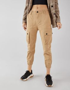 Pantalon cargo Cargo Pants Outfit, Khaki Cargo Pants, Outfit Jeans, Men's Pants, Retro Outfits, Trendy Outfits, Cool Outfits, Fashion Outfits, Tumblr Outfits