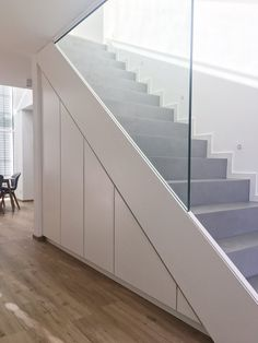 Concrete staircase with fitted wardrobes - Haus - Foyer Staircase, Concrete Staircase, Staircase Storage, Stair Storage, Understairs Storage Ideas, Storage Under Stairs, Basement Stairs, House Stairs, Basement Ideas