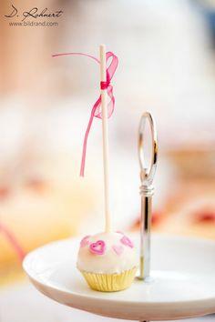 Cakepop zur Hochzeit? picture by bilDRand Photography