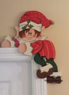 Pintado a mano Holiday Elf suspensión de puerta de la puerta por stephskeepsakes, $ 22.95: