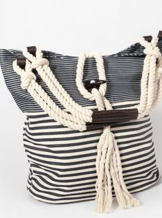 Stripe bag - perfect for the beach or as a stylish holiday tote. My Bags, Purses And Bags, Summer Tote Bags, Striped Bags, Boho Bags, Linen Bag, Denim Bag, Fabric Bags, Casual Bags