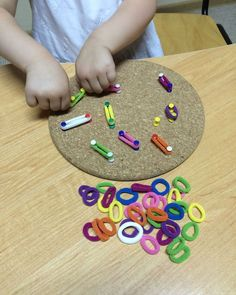 for little money activities for kids crafts Motor Skills Activities, Toddler Learning Activities, Montessori Activities, Infant Activities, Kids Learning, Educational Games For Kids, Kids Crafts, Toddler Crafts, Preschool Crafts