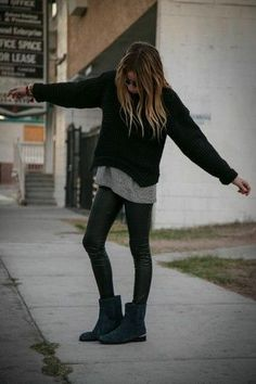 ce1db36a092 How To Wear a Black Oversized Sweater With Black Leggings (9 looks &  outfits)