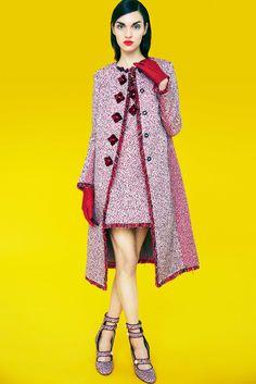 Mary Katrantzou - Pre-Fall 2017 Mary Katrantzou Pre-Fall 2017 Fashion Show Collection See the complete Mary Katrantzou Pre-Fall 2017 collection. Mary Katrantzou, Foto Fashion, Fashion 2017, Greek Fashion, Vogue Mexico, Unique Fashion, Fashion Design, Textiles, Fashion Gallery