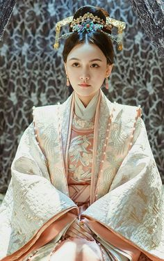Drama Empress of the Ming Dynasty Chinese Ancient Consort Pu Replica Costumes and Headpiece Complete Set rental set traditional buy purchase on sale shop supplies supply sets equipemnt equipments Chinese Traditional Costume, Traditional Fashion, Traditional Dresses, Historical Costume, Historical Clothing, Chinese Tv Shows, Global Style, Westerns, Hanfu