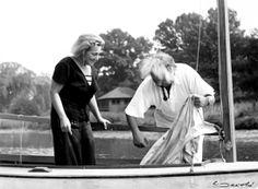 Grete Lebach, geb. Bachwitz, und Albert Einstein in Huntington, Long Island (1937). Foto: Lotte Jacobi Collection; Leo Baeck Institute.