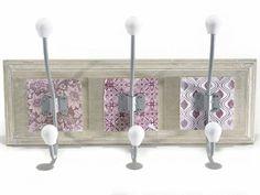 Appendino in legno a 3 ganci in ceramica con decori stampati  cm 37,5 x 20,5 H