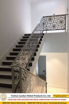 modern stair railing ideas iron safety grill design for staircase Modern Stair Railing, Balcony Railing Design, Stair Handrail, Staircase Railings, Modern Stairs, Staircase Design, Bannister, Steel Stairs, Steel Railing