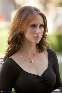 Melinda Gordon's (on the series Ghost Whisperer) wardrobe and makeup is the best ever.