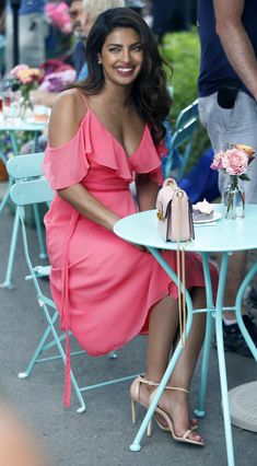 Priyanka Chopra Photos Photos - Priyanka Chopra is seen on the set of 'Isn't It Romantic' on July - Priyanka Chopra on the Set of 'Isn't It Romantic' Actress Priyanka Chopra, Priyanka Chopra Hot, Bollywood Actress, Shraddha Kapoor, Deepika Padukone, Quantico Priyanka Chopra, Priyanka Chopra Wedding, Movies Bollywood, Bollywood Theme