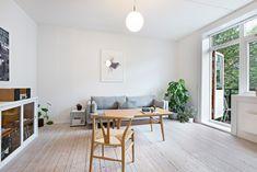 (1) Torshov -Delikat hjørneleilighet med lys fra 3 sider. Solrik balkong og peis. God takhøyde. Nye vinduer til høsten. | FINN.no