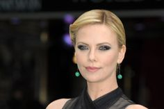 Charlize Theron Snow White and the Huntsman premiere