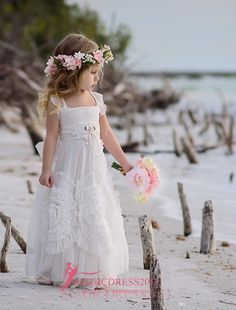 Gorgeous White Flower Girls' Dresses For Wedding 2016 Square Lace Ruffles Kids Formal Wear Sleeveless Long Beach Girl's Pageant Gowns Beach Flower Girls, White Flower Girl Dresses, Wedding Flower Girl Dresses, Little Girl Dresses, Girls Dresses, Dress Wedding, Beach Girls, Lace Ruffle, Tulle Lace
