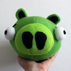 Obsessively Stitching: Angry Birds -- Plush Pig! (and blue bird!)