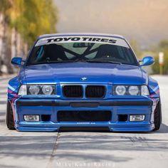 Monday Blues Photo: Mike Kuhn Racing #STOPPINGTHEWORLD #R1concepts #teamR1 Brakes: R1 Forged Series Big Brake Kit Pandem BMW E36 by: @phuong_86  #performancebrakeparts #r1forgedseries #bigbrakekit #bbk #rotiform #ltmw #pandem #rocketbunny #toyotires #widebody #bmw #e36 #autocon