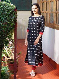 simple ikat kurta with contrast detailing Salwar Pattern, Kurta Patterns, Dress Patterns, Churidar Designs, Kurta Designs Women, Dress Neck Designs, Blouse Designs, Kaftan, Ikkat Dresses