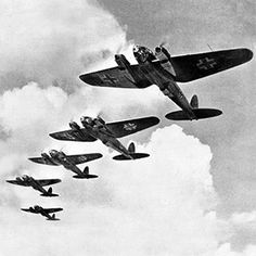[Photo] German He 111 bombers flying in formation, date unknown