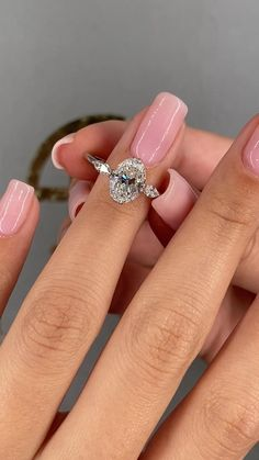 Three Stone Engagement Rings, Beautiful Engagement Rings, Delicate Engagement Ring, Engagement Rings White Gold, Different Engagement Rings, White Gold Wedding Rings, Three Stone Rings, Wedding Rings For Women, Vintage Engagement Rings