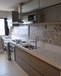 Los originales diseños de las losas criollas con motivos florales o geométricos se popularizaron en las construcciones de los años 60, y vuelv