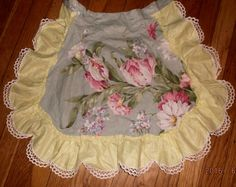 Vintage floral glazed cotton apronruffled and by Rainydayantiques