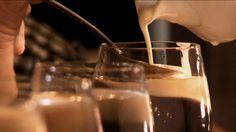 Café jamaïcain Glass Of Milk, Creme, Drinks, Food, Drink, Yummy Recipes, Lemonade, Drinking, Beverages